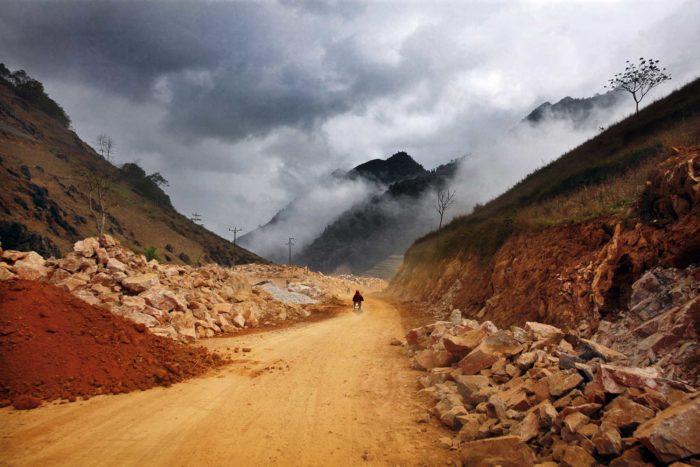 01-riding-near-the-china-vietnam-border---copyright-salvo-galano