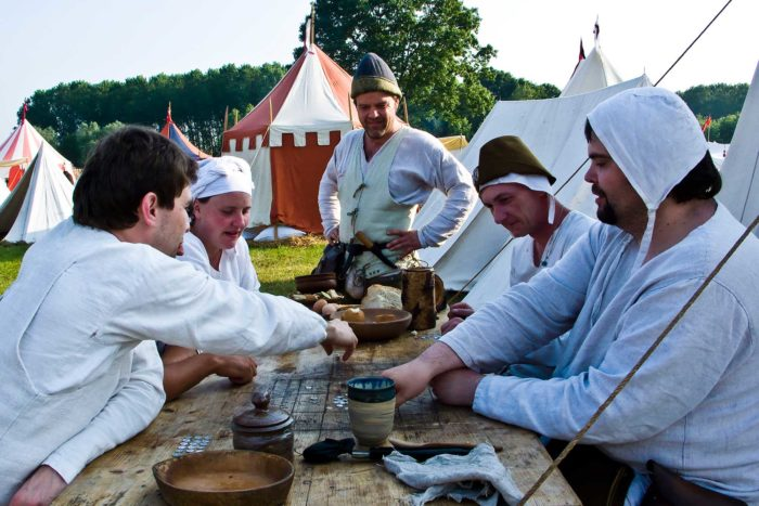 08-giochi-da-tavola-medievali,-oggi-nel-medioevo
