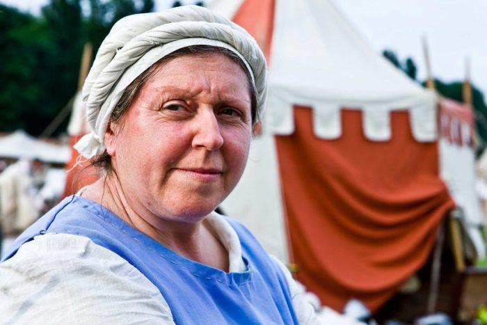 09-la-cuoca,-oggi-nel-medioevo