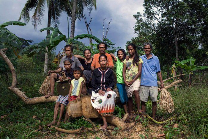 10-tagbanua-family--copyright-salv