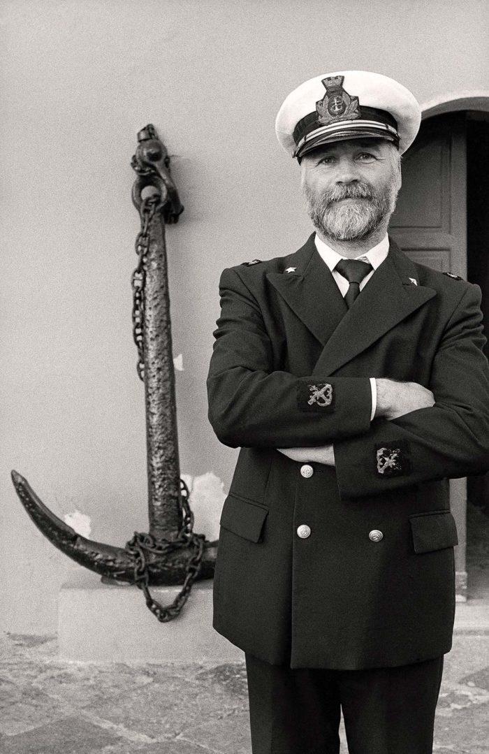 19-antonio,-il-comandante-del-porto,-l'isola