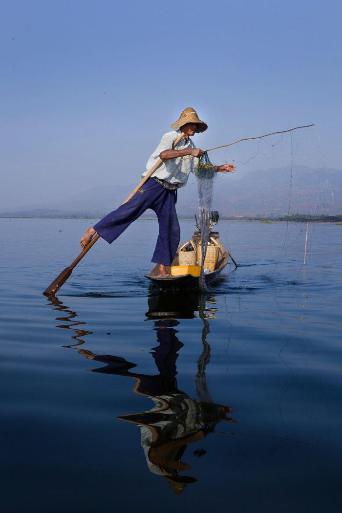 22-fisherman,-inle-lake,-myanmar