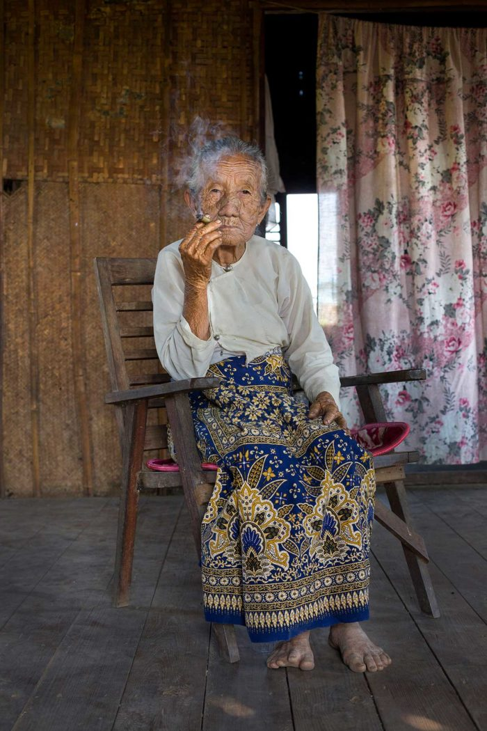 25-old-woman,-inle-lake-myanmar