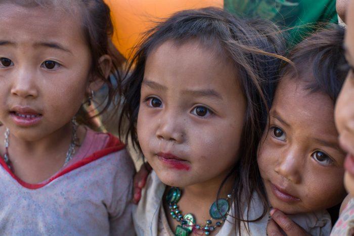 31-kids-laos
