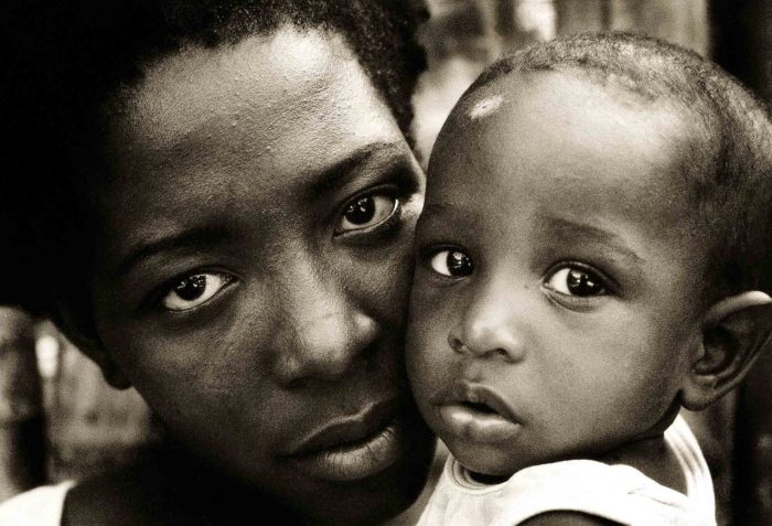 38-MOTHER-&-SON-maracay-chuao-venezuel