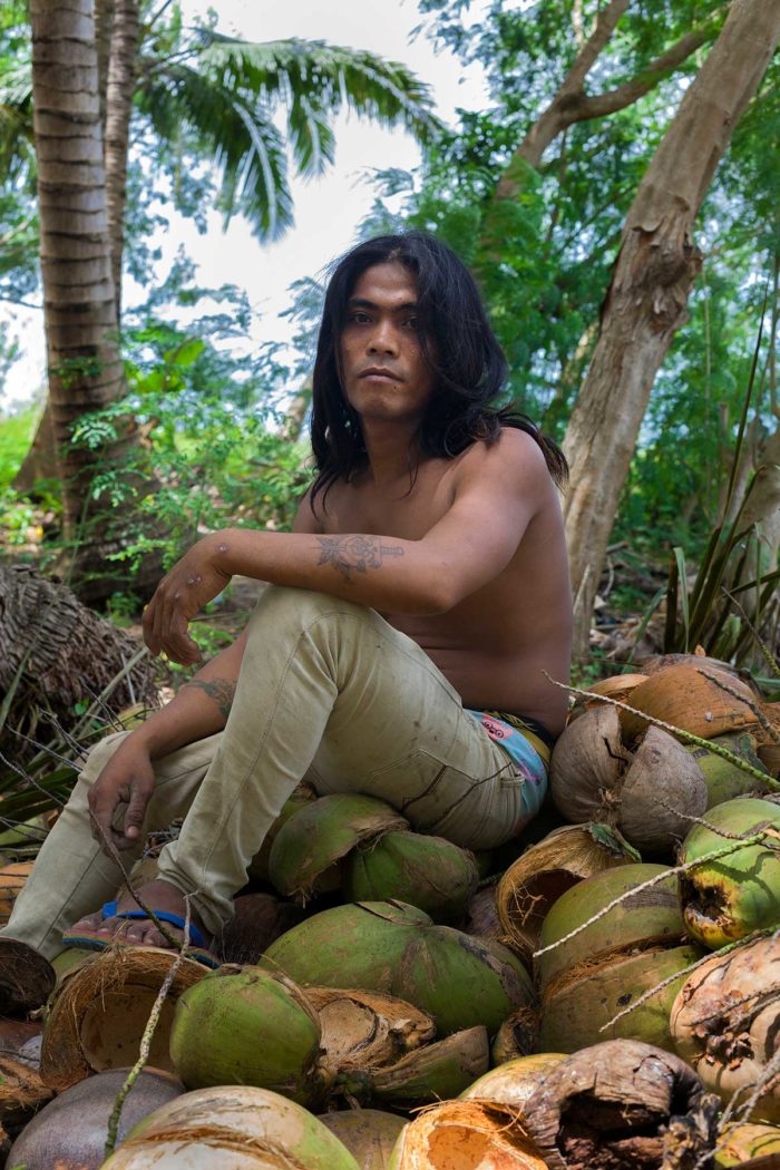 57-coconuts-picker,-quezon,-philippines-