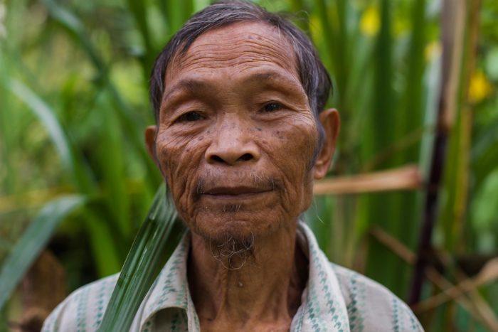 59-tau't-bato-man,--rizal-palawan-philippines