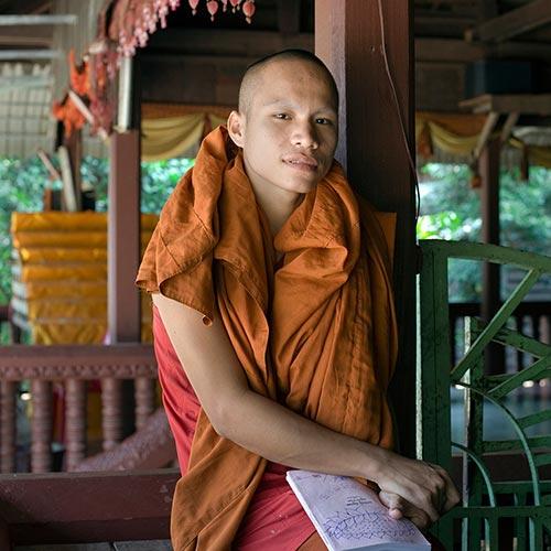 70-buddhist-monk,-angkor-wat-cambodia---copyright-salvo-galano