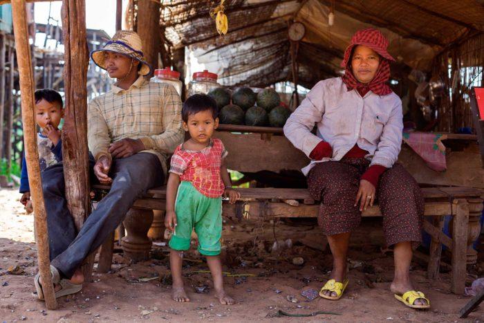 75-family,-kompong-khleang-cambodia
