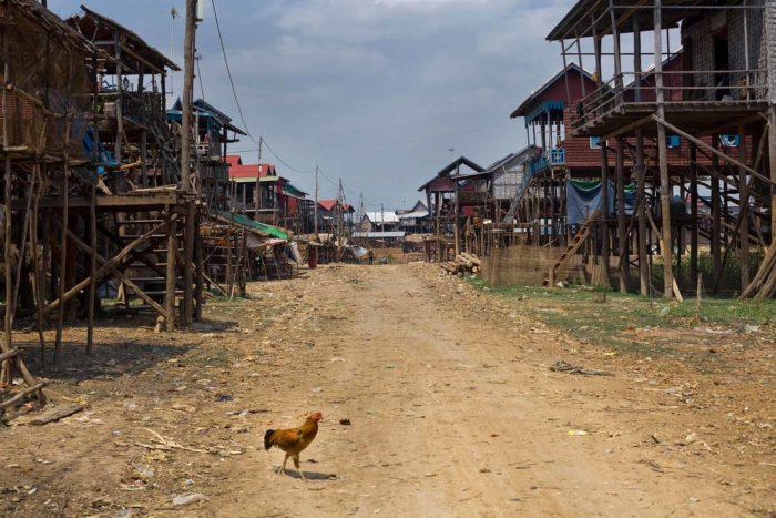 76-villaggi-galleggianti-mekong-durante-stagione-secca-cambogia-
