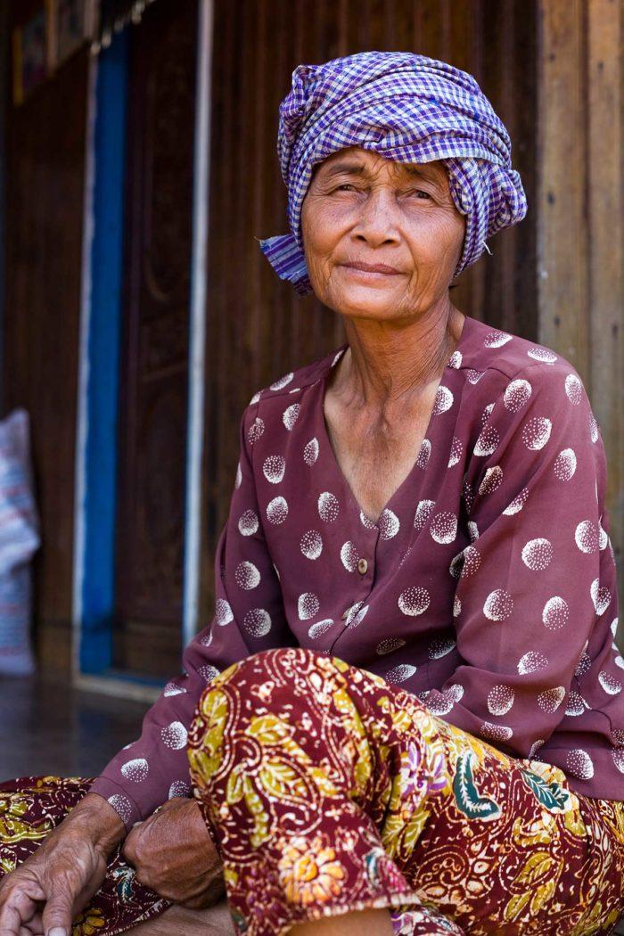 77-woman-kompong-khleang-cambodia
