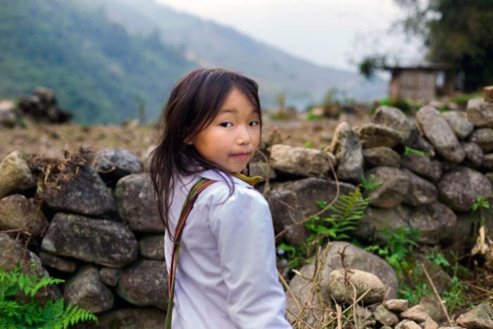 95-school-girl-near-sapa-vietna